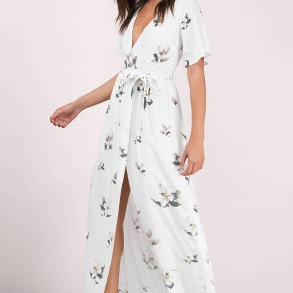 02d7d2cc54f Tobi Emma white multi floral maxi dress. M 5aa30f49a6e3ea4e3feecc50